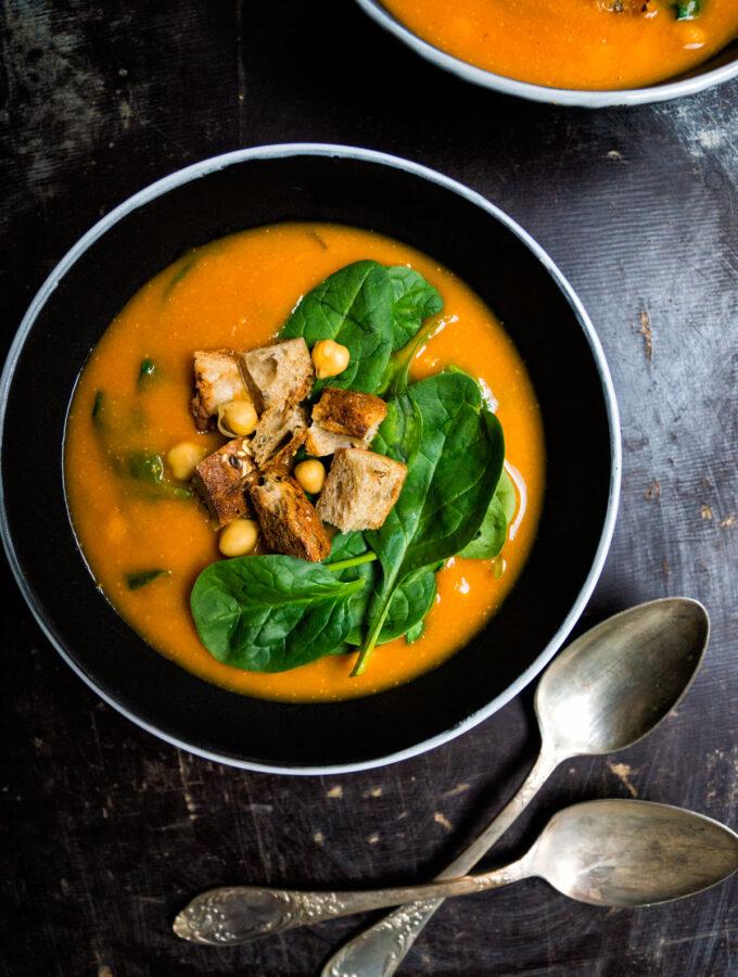 Cizrnová polévka s mrkví
